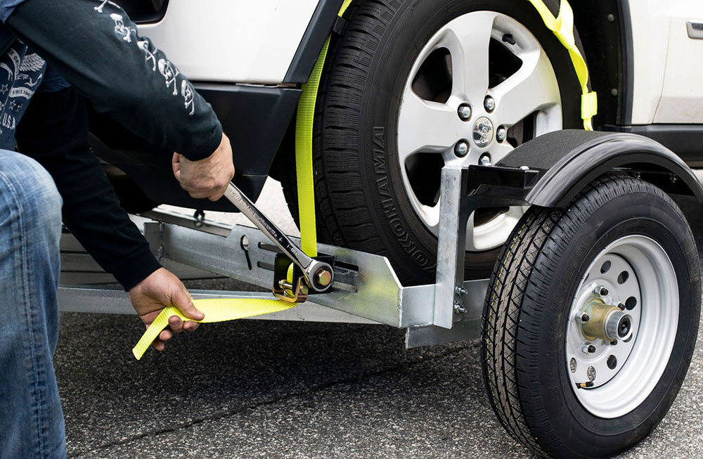How to Safely Operate Your Car Tow Dolly